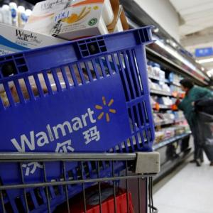 Fuzzy retail policy makes Walmart move to slow lane