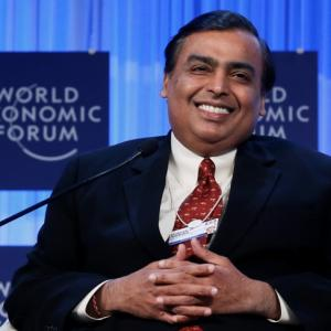 5 Indians have half of India's billionaire wealth
