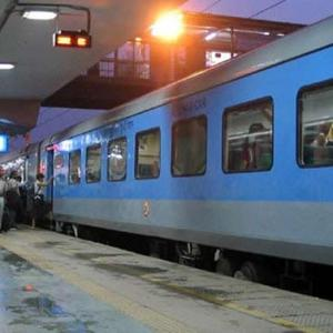 Train delays to cost babus their promotions