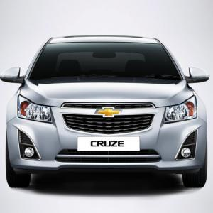 Chevrolet drives in new Cruze; price starts at Rs 13.7 lakh