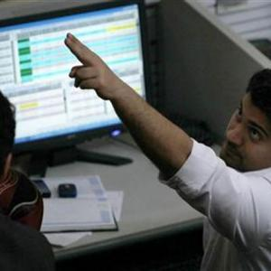 Get maximum returns in a volatile market, experts tell you how