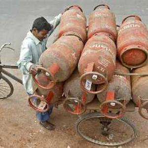LPG rate cut by Rs 113, jet fuel prices by 4.1%