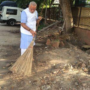 How swachh is Narendra Modi's business 'abhiyan'?