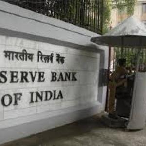 'RBI to hold rates on Sep 30; may cut in Feb'