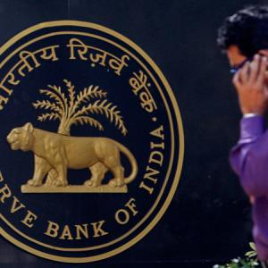 21 banks lower lending rates after RBI rate cut
