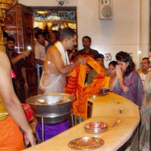 Mumbai's Siddhivinayak temple to give Modi's gold scheme a boost