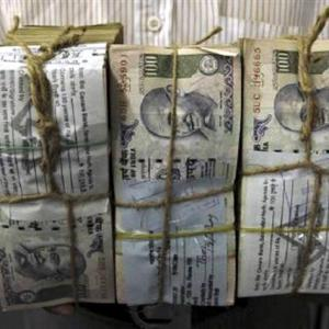 Banks' nightmare: Rs 5,650,000,000,000 may go up in smoke!