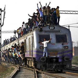 Modi pulls up Railway Ministry for poor performance