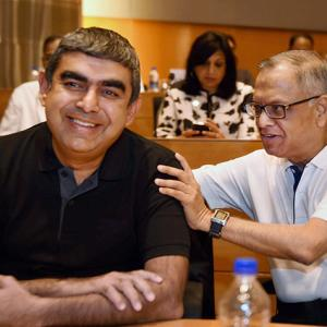 Infosys to give 100% bonus to employees to stem attrition