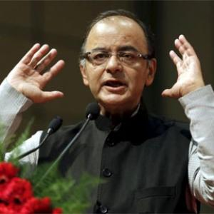 Jaitley responding to treatment: VP Naidu