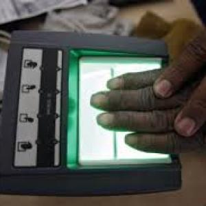 SC asks Centre to tell states not to make Aadhaar mandatory