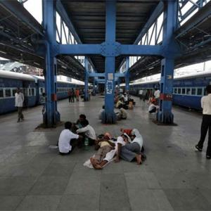 Cash-strapped Railways to sell garbage to boost revenue!