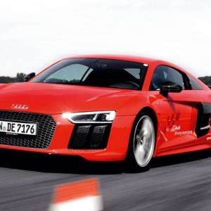 Audi R8: Intelligent sprinter