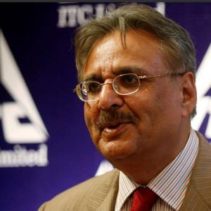 ITC's Deveshwar to quit in 2017, wants young gun to head company