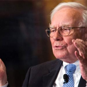 Buffett says hedge funds are a bad deal for investors