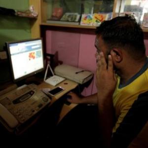 India, China home to 320 million young Internet users
