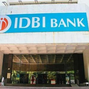 Govt seeks regulator's nod to sell IDBI Bank stake to LIC