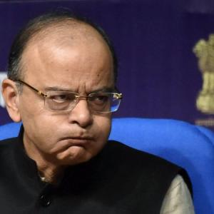Jaitley targets CBI over Kochhar probe