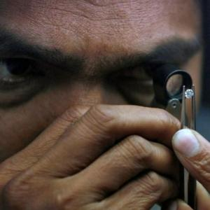 Banks face more headache from diamond industry