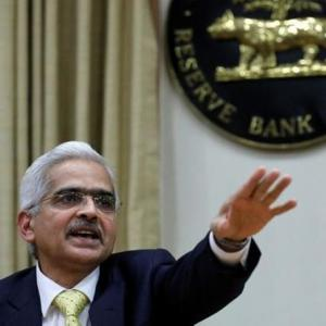 Economists want RBI to cut rate by at least 25 bps