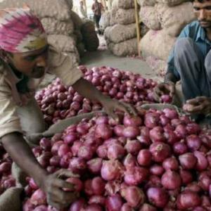 Truckers' strike: Commodity supply hit, onion zooms