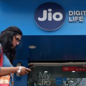 Jio fails to dent market share of top 3 telcos