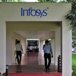 Infy goes slow on hiring freshers, relies on experienced staff