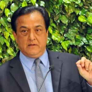 Rana Kapoor to remain Yes Bank chief till January end