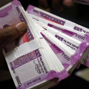 Is govt planning to phase out Rs 2000 notes?