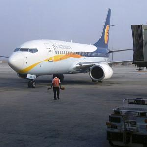 Govt allows airlines to use Jet slots till end Dec