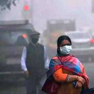 Delhi: Air purifier, pollution mask sales spike