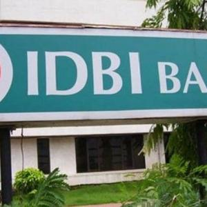 Can CEO Rakesh Sharma do a Houdini on IDBI Bank?