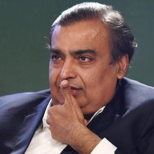 Mukesh Ambani all set to buy Biyani's Future Retail