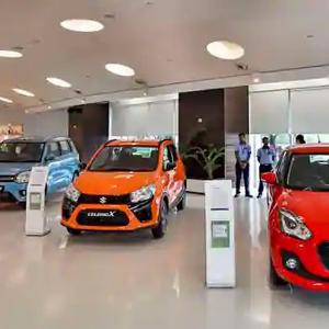 Passenger vehicle retail sales rise 4% in Nov: FADA
