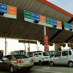How India will be toll plaza free in 2 years
