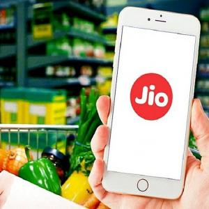 JioMart taps more daily orders than BigBasket, Amazon