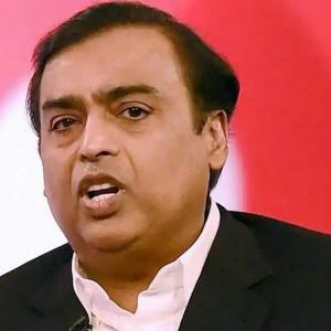 Mukesh Ambani for urgent policy steps to junk 2G