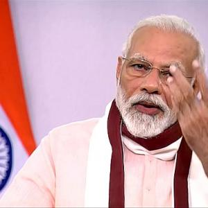 Modi announces Rs 20 lakh cr special economic package