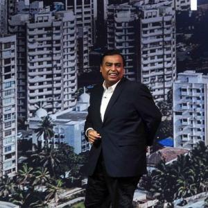 RIL offers 40% stake in retail arm to Amazon: Report