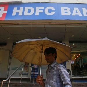 HDFC Bank readies plan to tackle frequent outages
