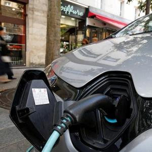 Sales of EVs fell 20% in FY'21 to 236,802 units