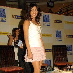 Pretty in pink, Priyanka launches a book