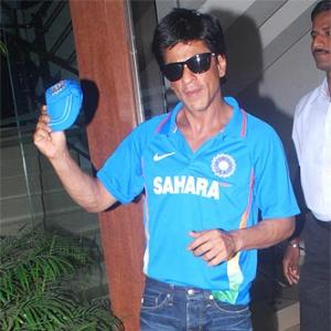 Shah Rukh Khan cheers for India
