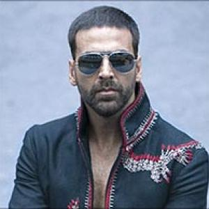 Akshay Kumar to try prosthetics for younger look