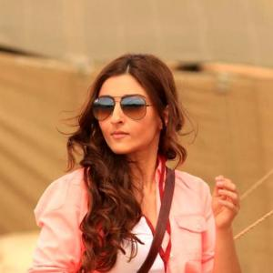 Soha, Shah Rukh, Kareena: Many shades of FILMI journalists