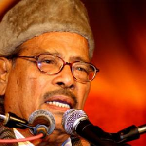 Legendary singer Manna Dey is dead, cremation at 12.30 pm in Bengaluru