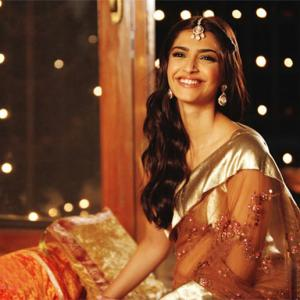10 Ways To Celebrate Diwali, Bollywood Style