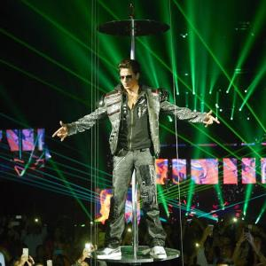 PIX: Shah Rukh and the SLAM! tour go to Chicago!