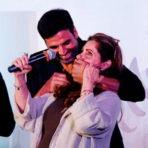 PIX: Akshay, Dimple have fun at Twinkle's book launch