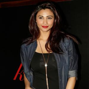 PIX: Daisy Shah, Neil Nitin Mukesh party with Afrojack